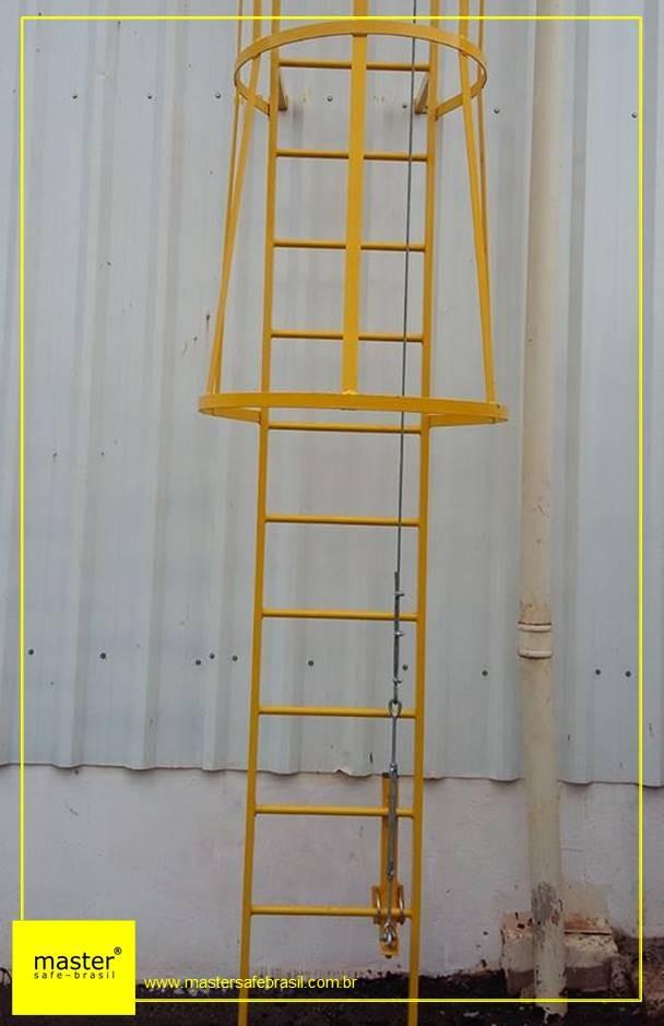 Linha de vida em escada tipo marinheiro